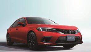 Honda onthult de nieuwe Civic vijfdeurs